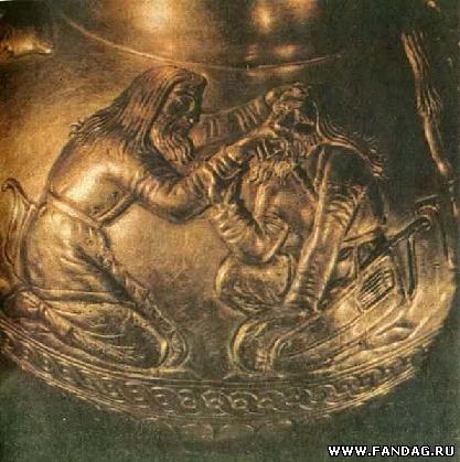 Сцена лечения. По мнению советского скифолога Д.С.Раевского, здесь изображены сюжеты скифского эпоса